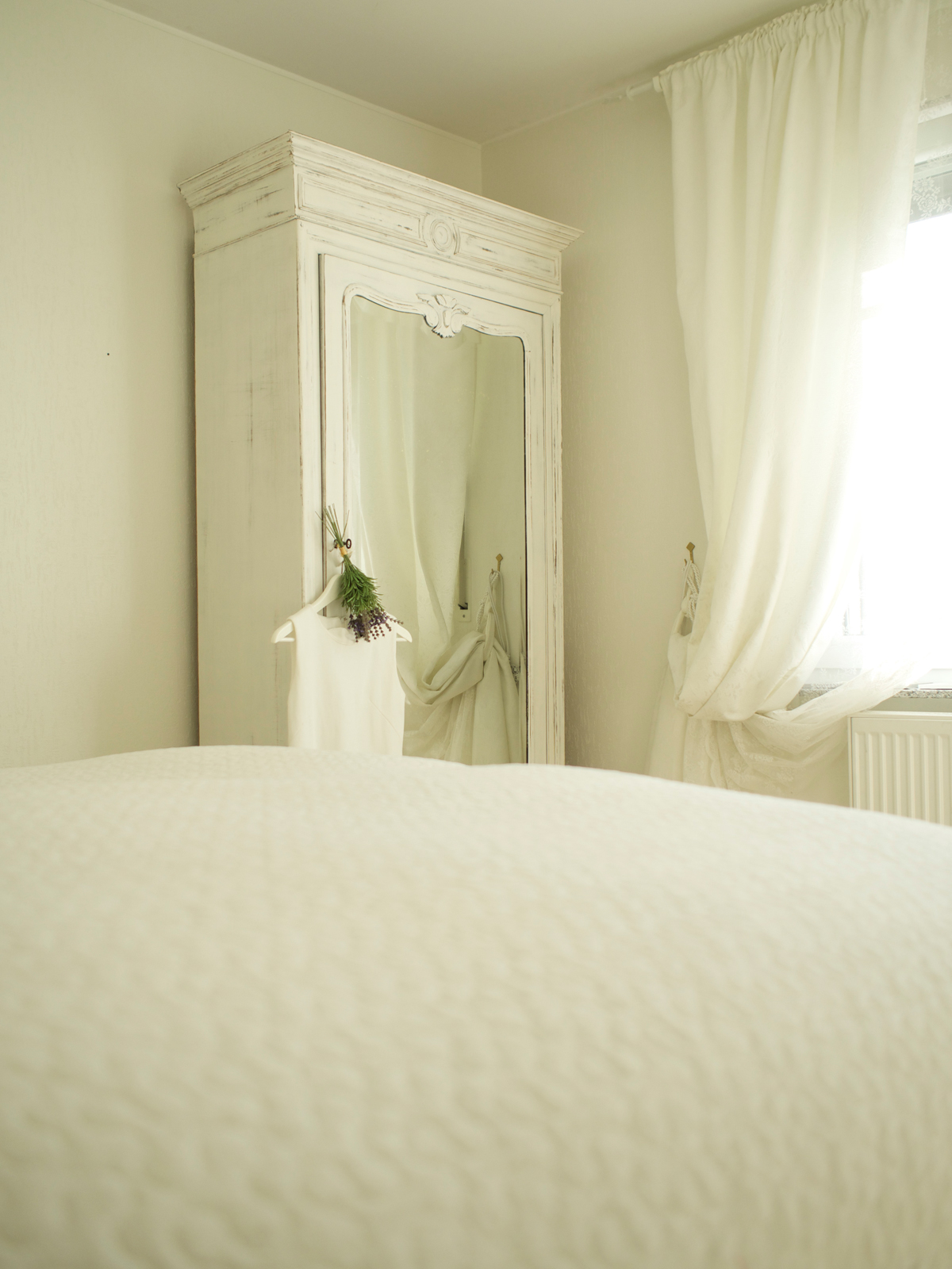 Shades of White, Bedroom
